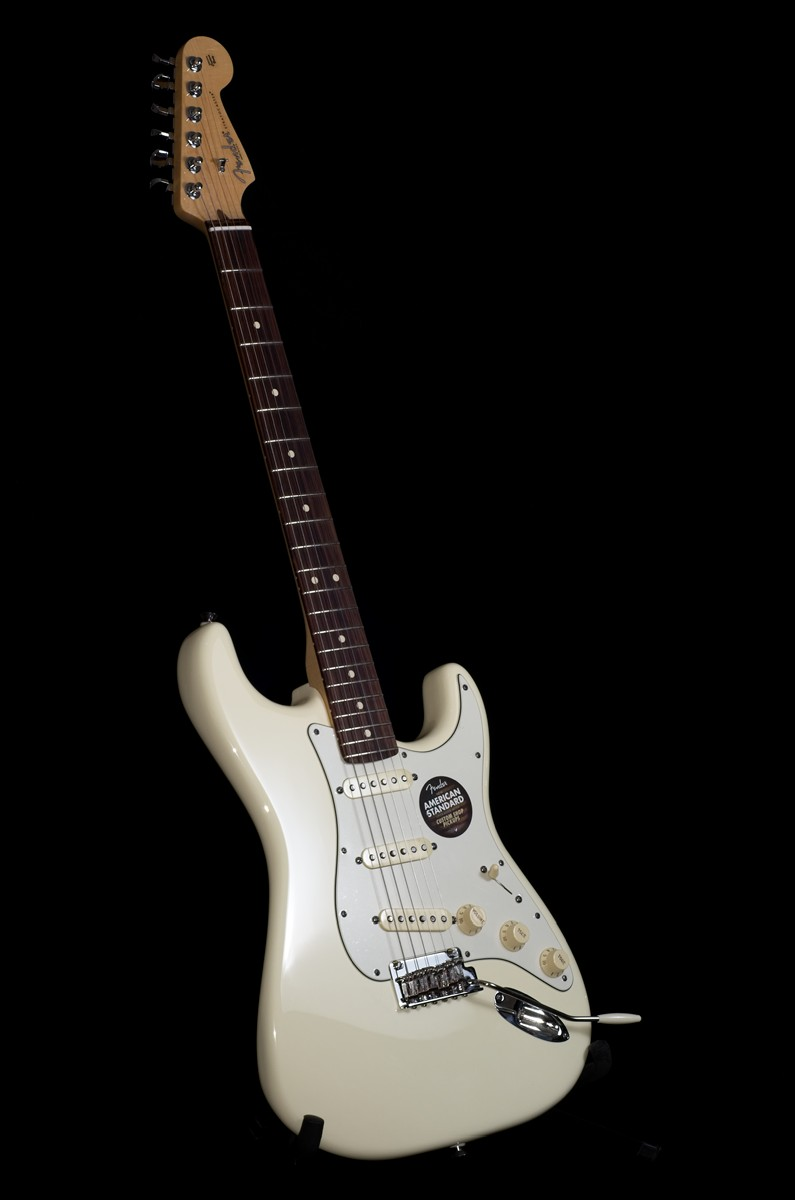 Review: 2012 Fender American Standard Stratocaster Up Close